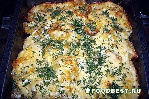 Аппетитная запеканка из картофеля, свинины и лука - отличный ужин