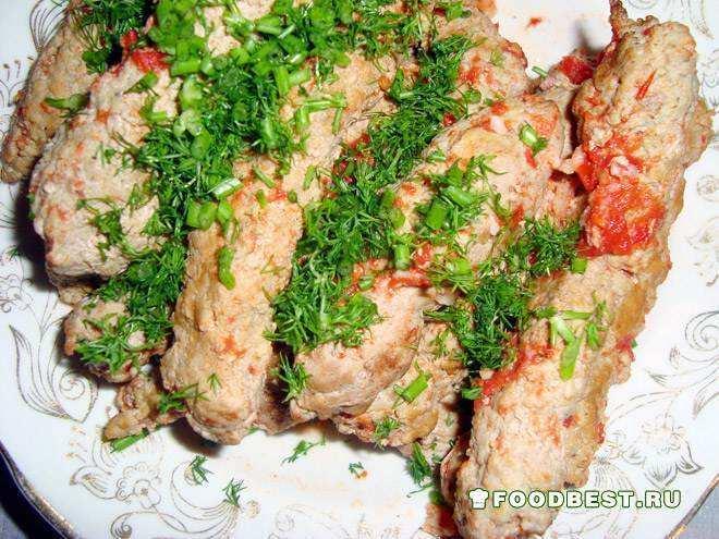 Молдавские Мититеи из свинины и говядины в томатном соусе.