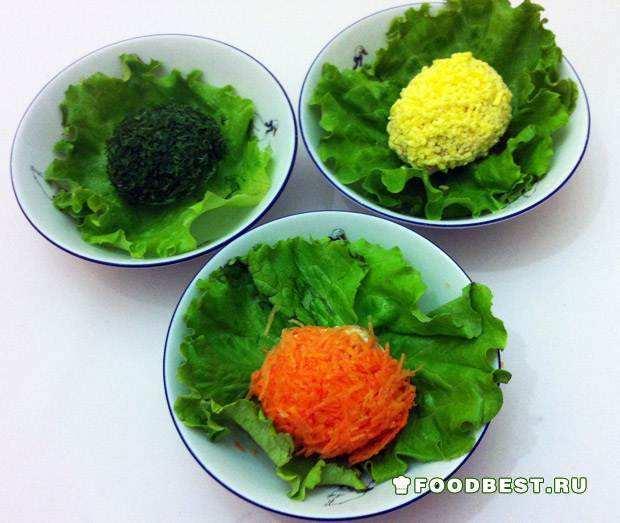 Порционный пасхальный салат «Крашеные яйца»