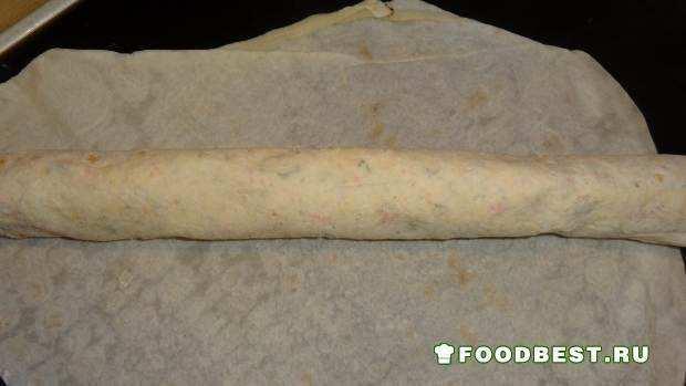 Фото рецепта - лаваш из крабовых палочек с сыром
