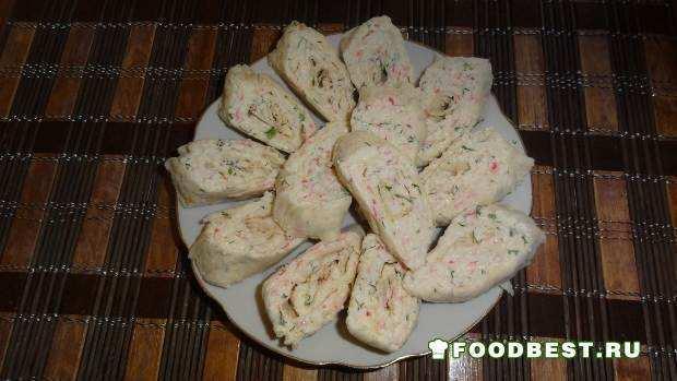 закуска в лаваше из крабовых палочек и сыра