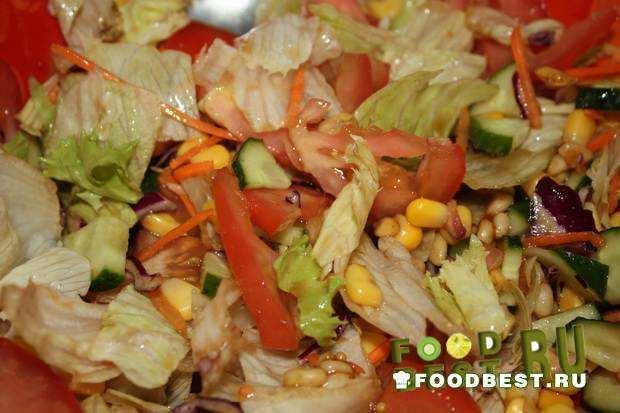 Легкий овощной салат с оригинальной заправкой
