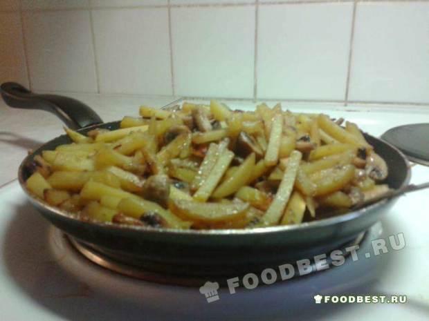 Вкусный домашний рецепт жареной картошки с резаными шампиьонами