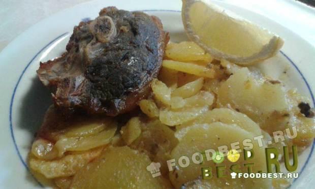 Тушеная картошка с мясом «Батата биль фирн»