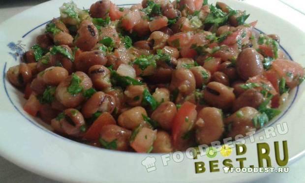 Легкий салат из бобов и овощей
