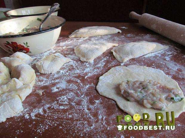 Тесто для чебуреков с начинкой