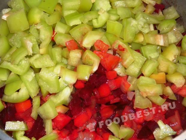 Перец и помидоры к овощам