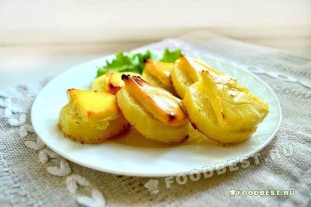 Картофель запеченный под сыром в духовке