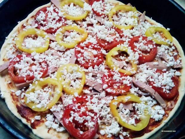 Наполняем пиццу