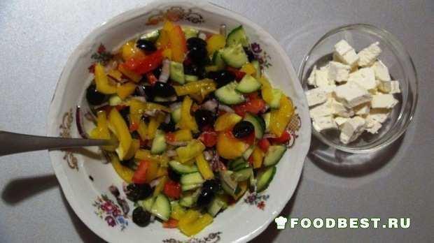 перец, лук, огурцы, помидоры, фета