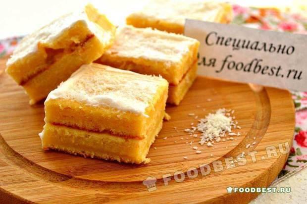 Пирожные на основе сливочного теста с прослойкой из взбитых сливок и кокосовой стружки
