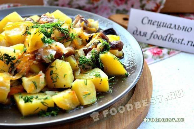 Картофель, тушеный с грибами шиитаке
