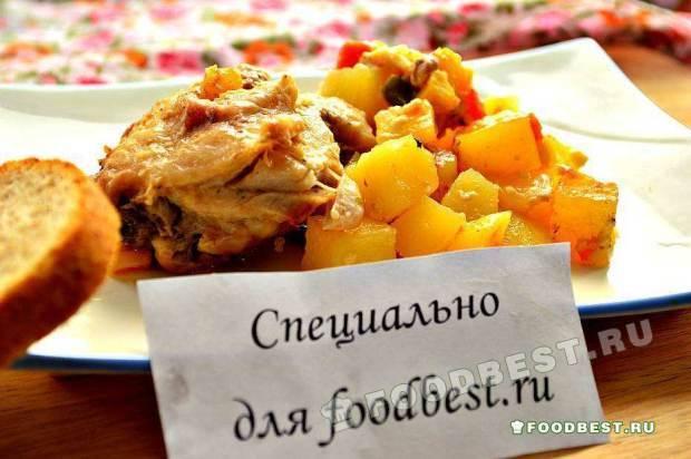 Куриные бедра с картофелем, запеченные в рукаве