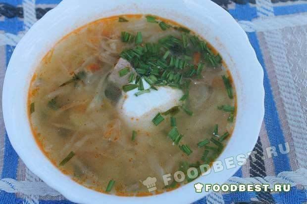 Весенний витаминный суп с молодой крапивой и чесноком