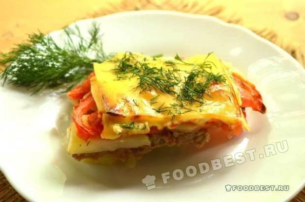 Картофельная запеканка с помидорами и плавленым сыром