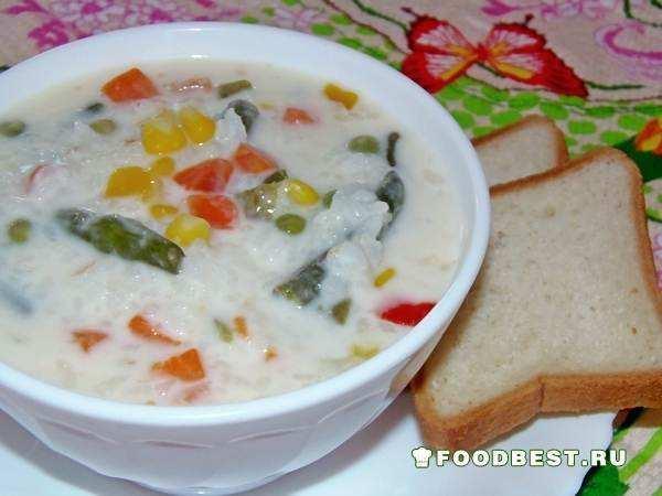Быстрый сырный суп с рисом и овощами