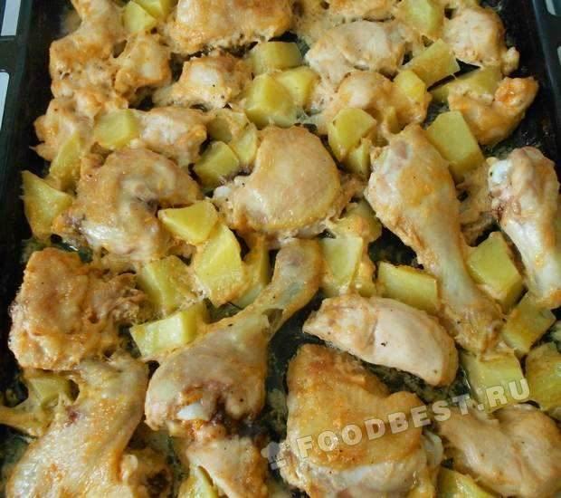 Курица, запеченная с молодым картофелем