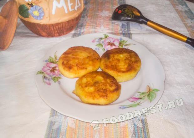 Испечь сырники в домашних условиях из творога рецепт