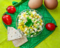 Салат из колбасы и огурцов