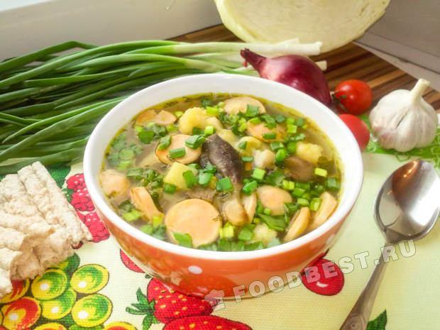 Простой супа с сосиской