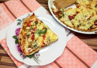 Пицца в духовке с помидорами