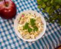 Вкусный салат с рыбными консервами