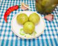 Соленые зеленые помидоры в банках